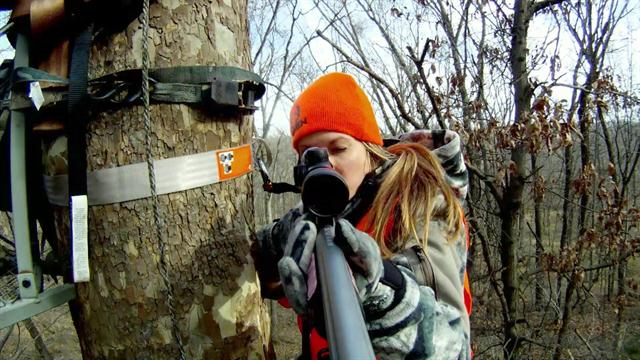 http://media.outdoorchannel.com/outdoorchannel/165/109/DTV_48923_NicoleHugeBuck_640x360_2320338592_640x360.jpg